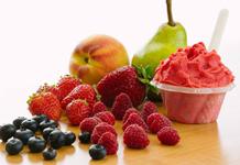 Saveurs de gelato fruits des champs du Quai des glaces